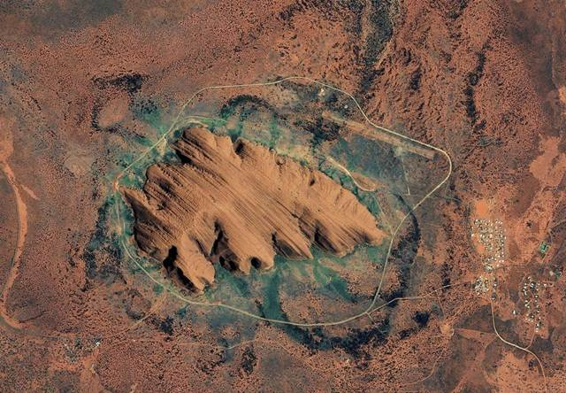 gambar-satelit-uluru-australia