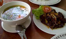 resep praktis (mudah) membikin masakan sop buntut goreng sapi spesial enak, gurih, lezat