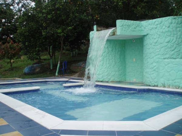 Tienda de piscinas online madrid venta de productos para for Cascadas artificiales para piscinas