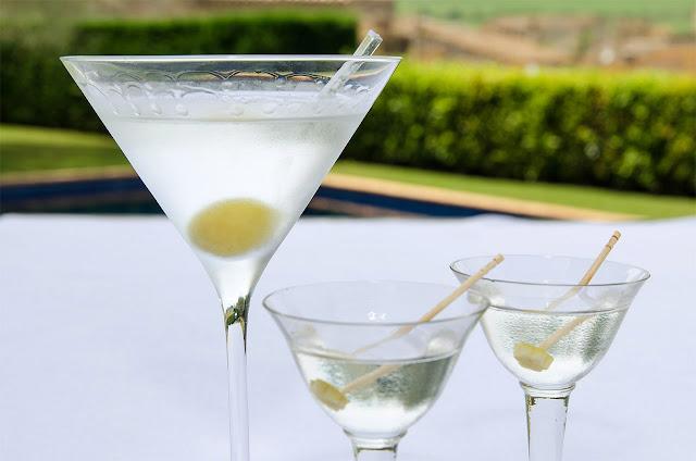 como-preparar-dry-martini-receta-bruja