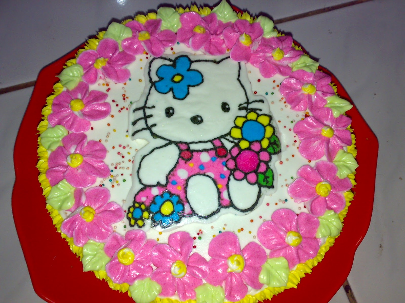 kue ulang tahun tema hello kitty