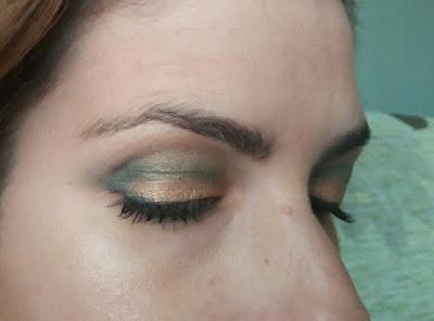 look de ojos dorado y verde