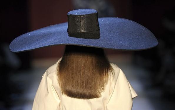 Satu Maaranen maxi sombrero