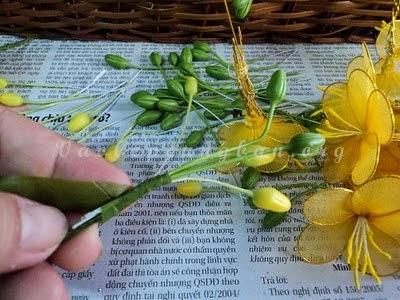 Cách làm cây hoa Mai bằng vải voan (lụa) đón Tết 6