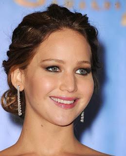 Foto Jennifer Lawrence Model Gaya Rambut Ikal 2014 Ngetren