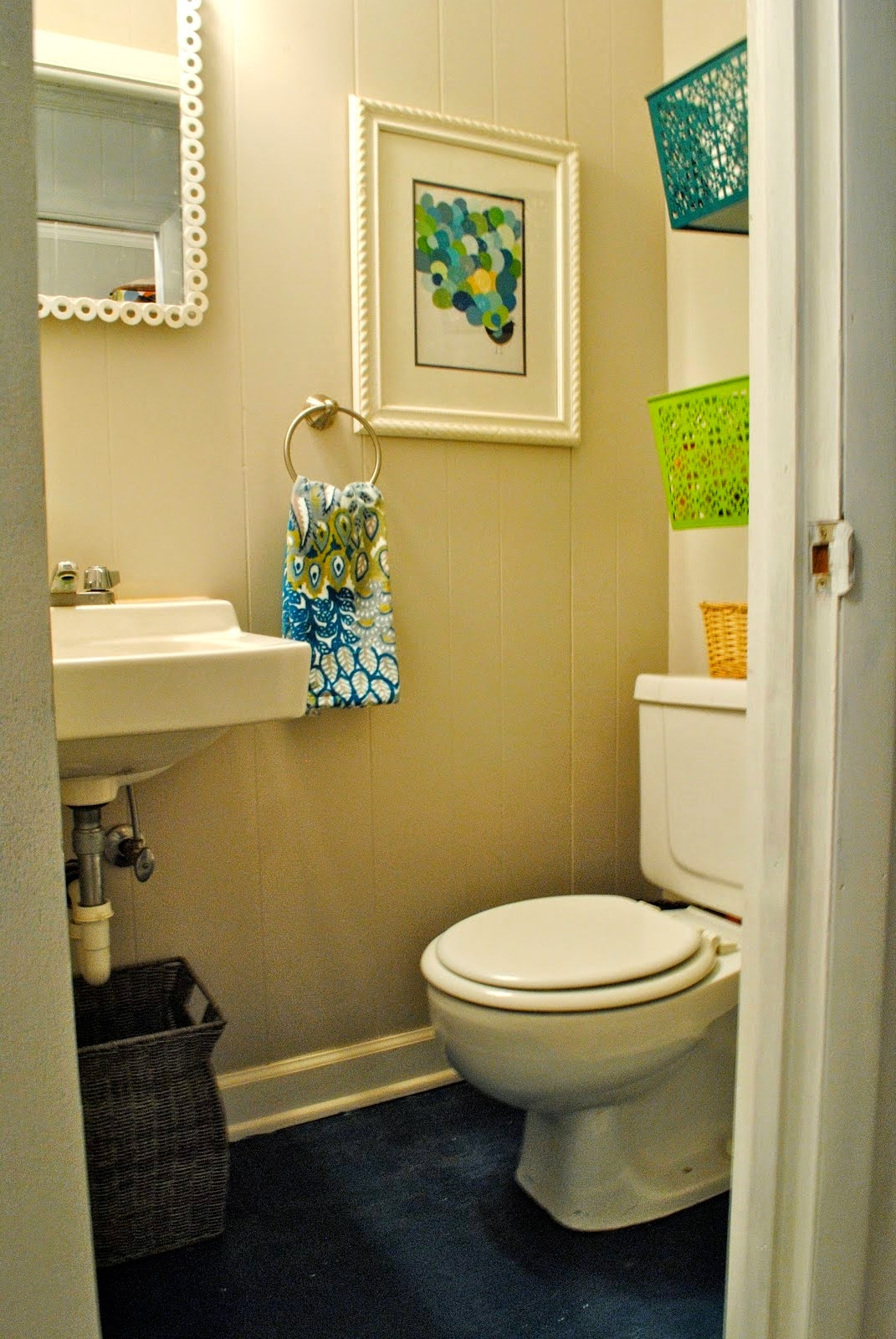 Bathroom Decorating Ideas Small Bathrooms bathroom decor ideas for small bathrooms - creditrestore