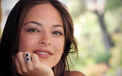 Kristen Kreuk from Smallville Beautiful Potrait with a Ring and Earrings HD Desktop Wallpaper