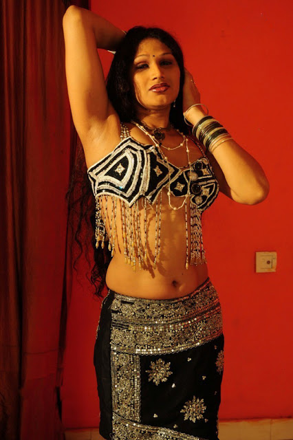 Grade Movie O Aunty Katha Spicy Stills