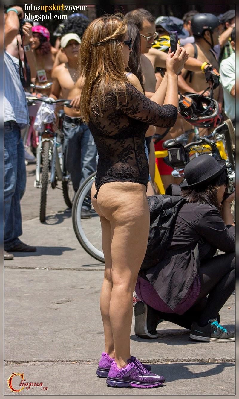 Calzon Transparente En La Calle
