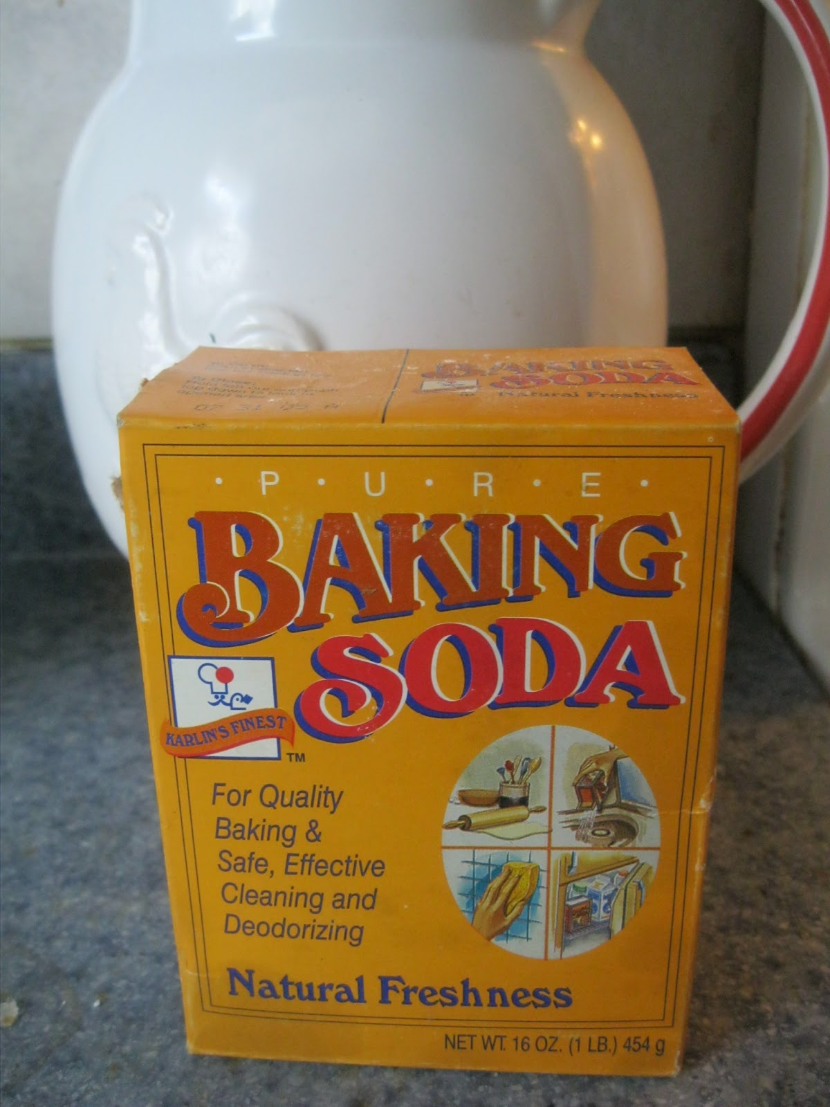 TIP GARDEN: Spring Cleaning With Baking Soda
