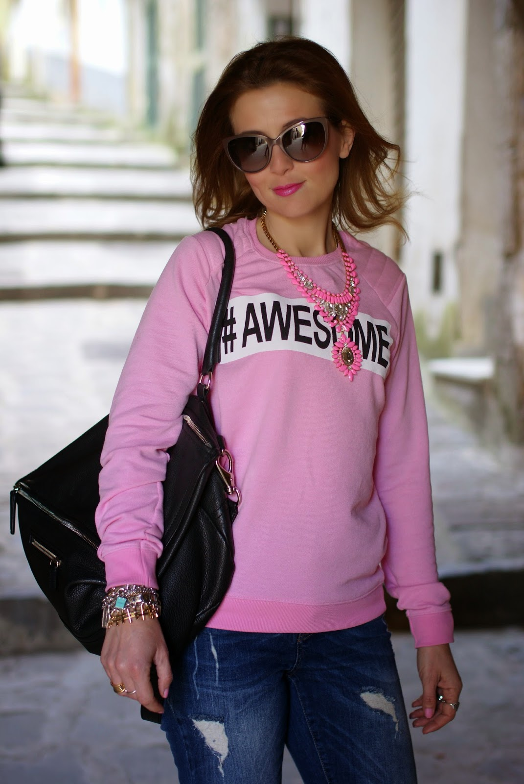 Awesome sweatshirt, Givenchy Pandora bag, Fashion and Cookies, fashion blogger