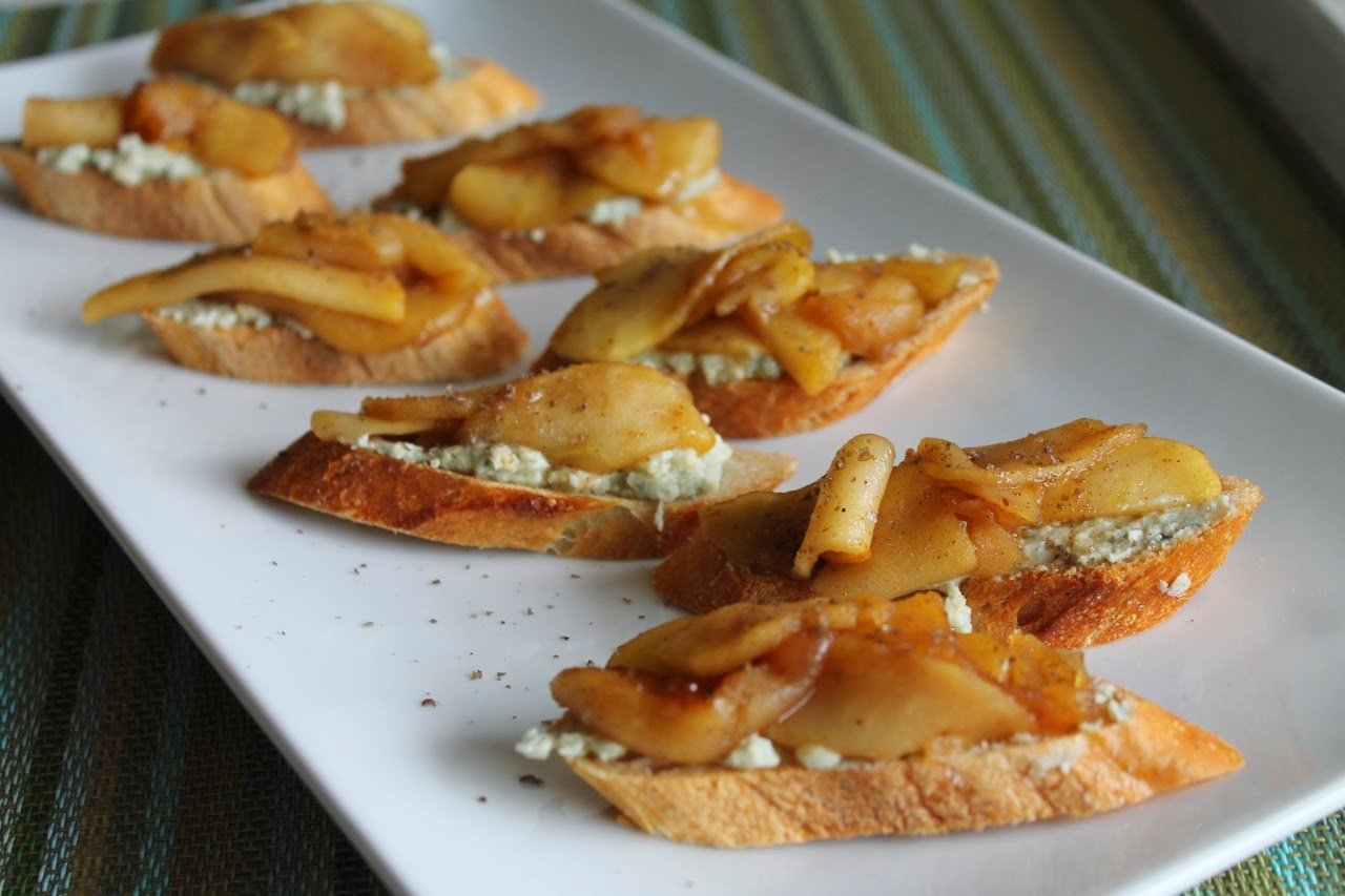 Smoky Apple-Blue Cheese Crostini
