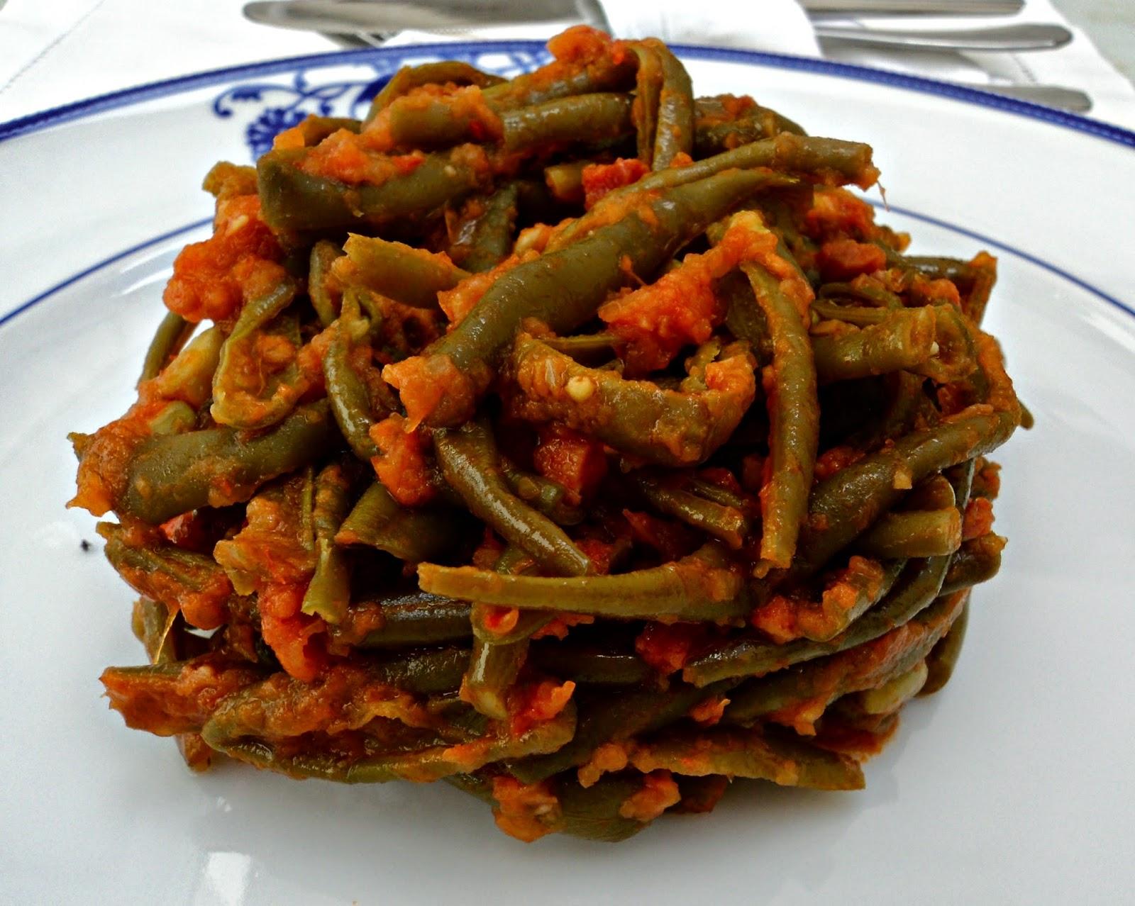 receta casera ensalada templada judías verdes, tomate y jamón