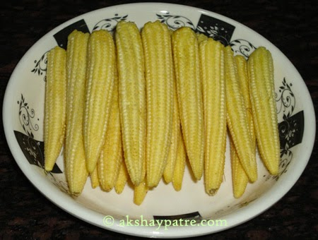 Wahsed baby corns for making baby corn pakoda