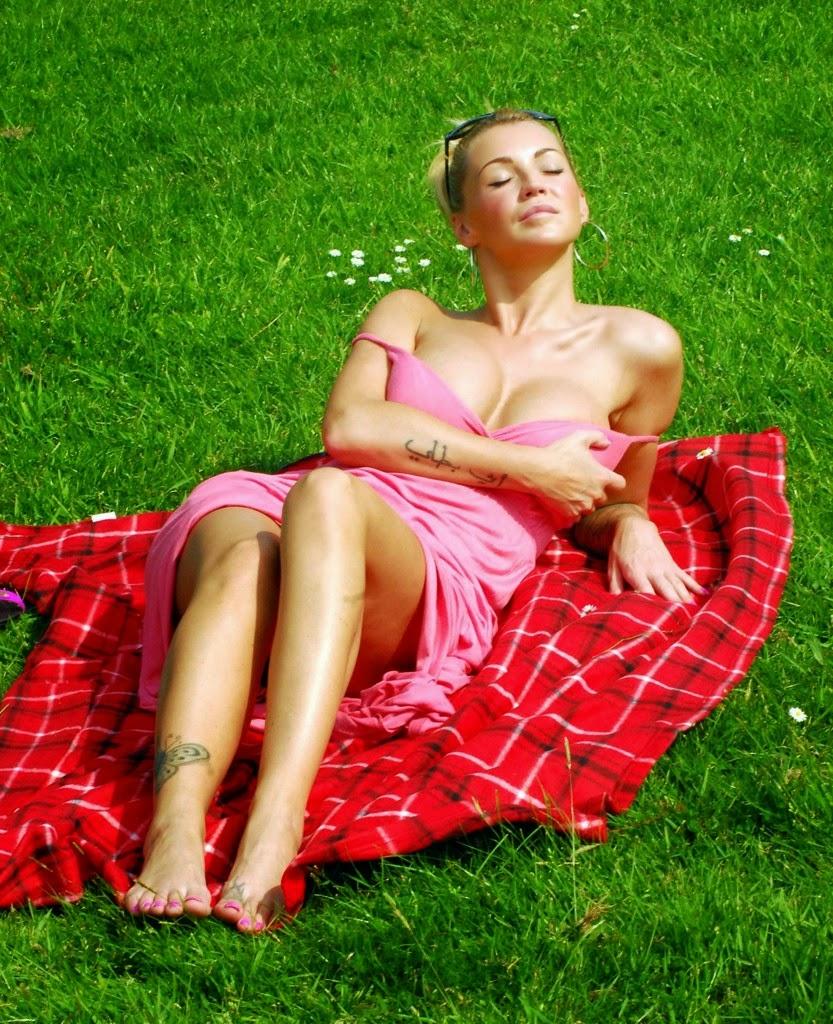 Holly Henderson Nude Photos 88