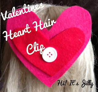Valentines Heart Hair Clip from Hi! It's Jilly. Perfect for your little girls on Valentines...and super easy to make, too! #valentines #hairclip #kidcraft