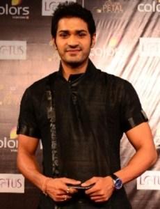 Biodata Mrunal Jain Pemeran tokoh Akaash