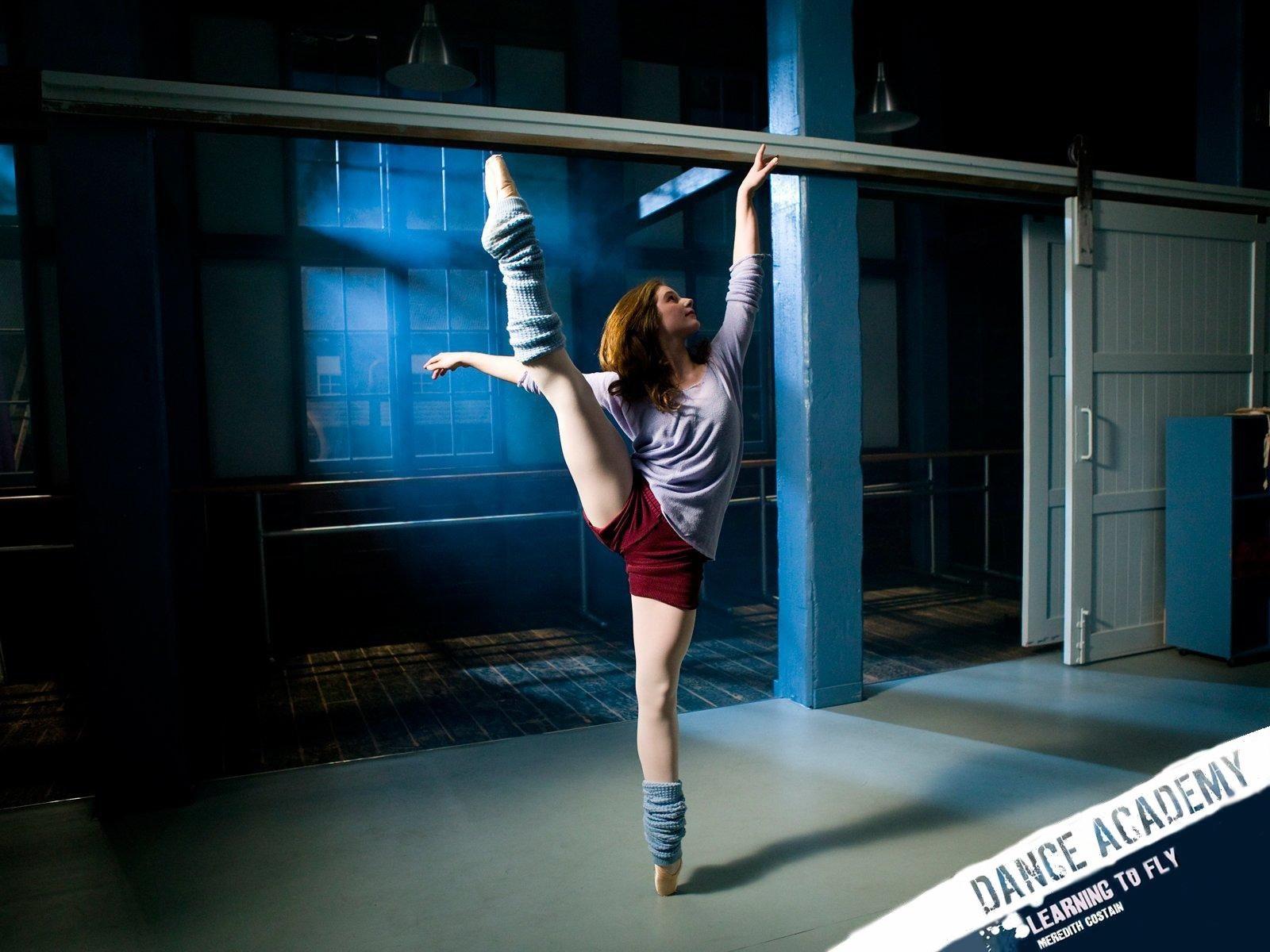 http://3.bp.blogspot.com/-f60ixoXbuBc/UDgtwrF-wlI/AAAAAAAAAIo/DkLapZ3dw8M/s1600/241908_akademiya-tanca_or_Dance-Academy_1600x1200_(www.GdeFon.ru).jpg
