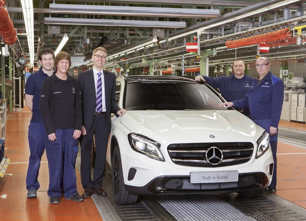Erster GLA rollt im Mercedes-Benz Werk Rastatt vom Band