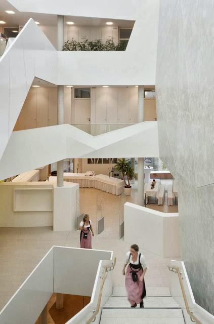 08-Bad-Aibling-City-Hall-by-Behnisch-Architekt