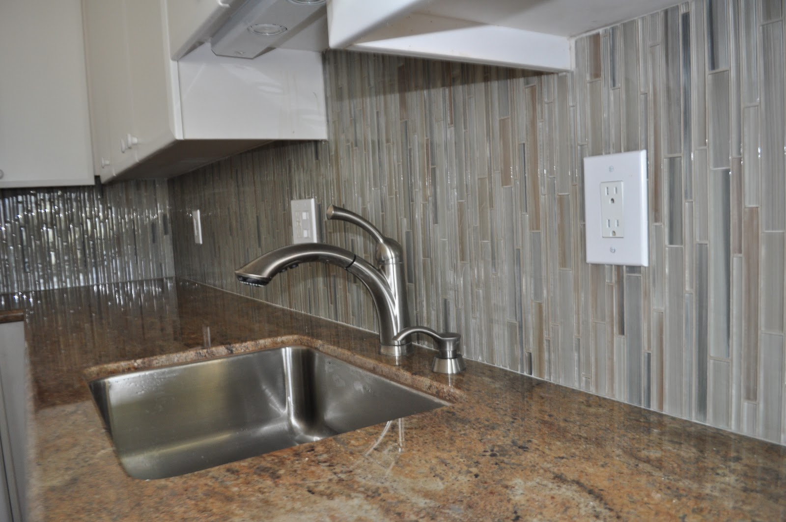 how to install glass subway tile backsplash