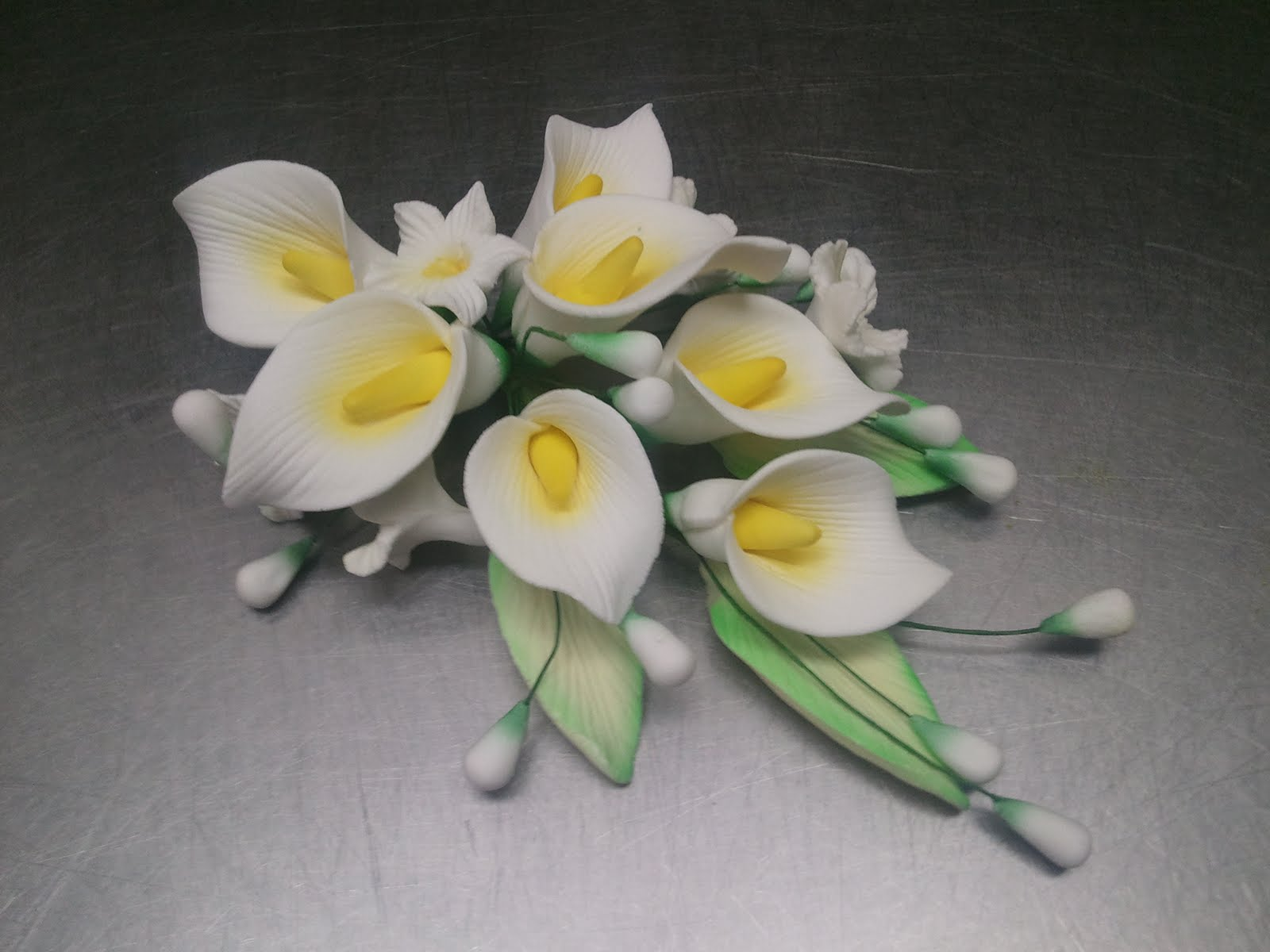 My Life as a Pastry Chef: Airbrushing Gum Paste Flowers