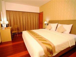 Hotel Arjuna Yogyakarta - Superior pool view