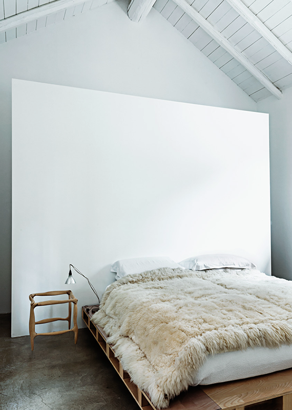 Soothing minimalist bedrooms for a simple life | Image by Frederico Cedrone
