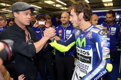 Sebenarnya Brad Pitt Puji Rossi atau Lorenzo Sih?