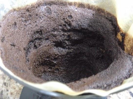 Esfoliando o Rosto com Borra de Café