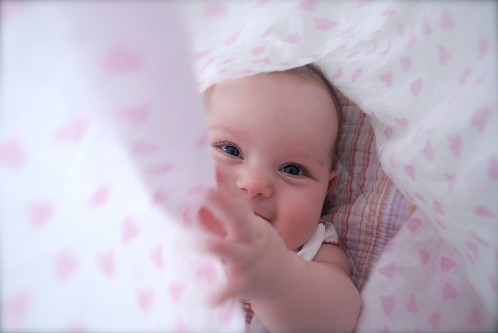 Cute Baby Girl #16 Free Wallpaper