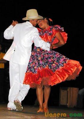 Se cree que el joropo tiene sus raíces en el Viejo Continente, y que al parecer nació de los bailes flamencos y andaluces que trajeron las misiones