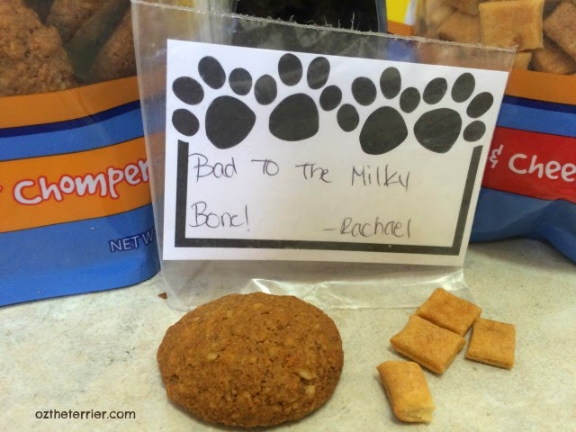 There's a handwritten note in every bag of Lindy and Company pet treats