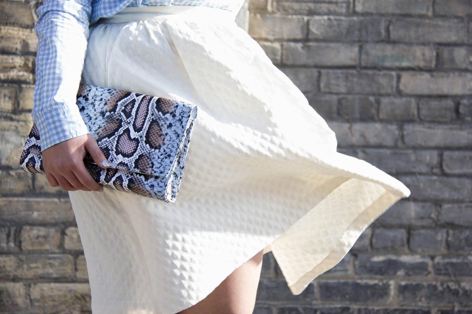 Spring-Look, Gap-Checkered-Shirt, White-Midi-Skirt, Faux-Snake-Skin-Clutch