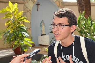 Um novo cristão católico na casa da Missão do Brasil