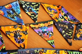DIY Halloween Fabric Pennant Banner