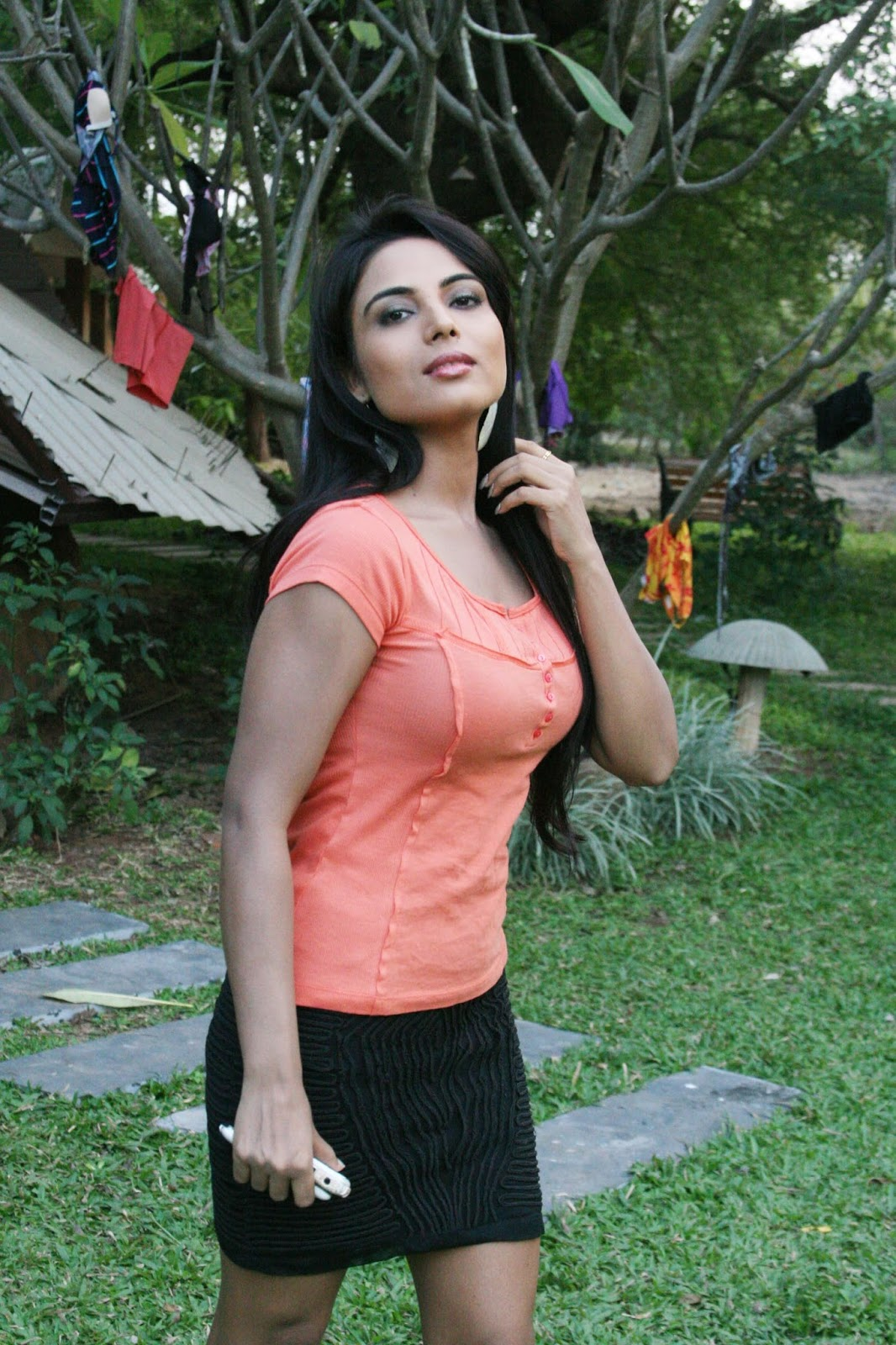 Shilpi Shukla Big Boobs in Movie Andaru Andarena