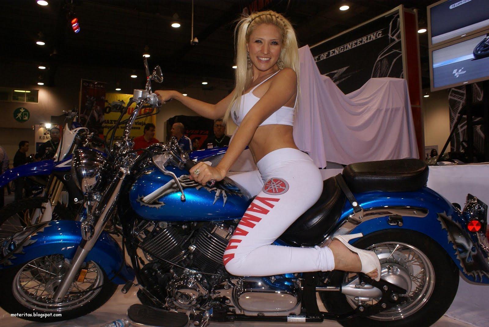 motos-mujeres-promotoras-calzas-bella-wallpaper