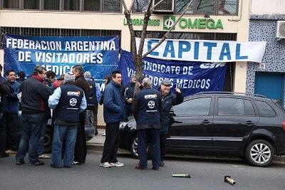 No a los atropellos a trabajadores de laboratorios Casa Rubio S A