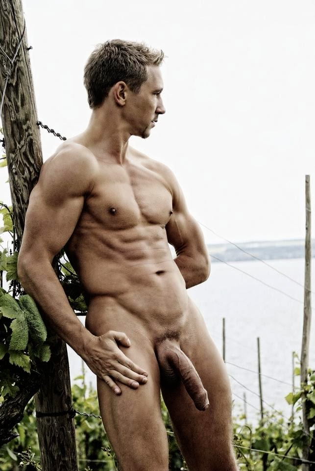 Фоточат голые парни