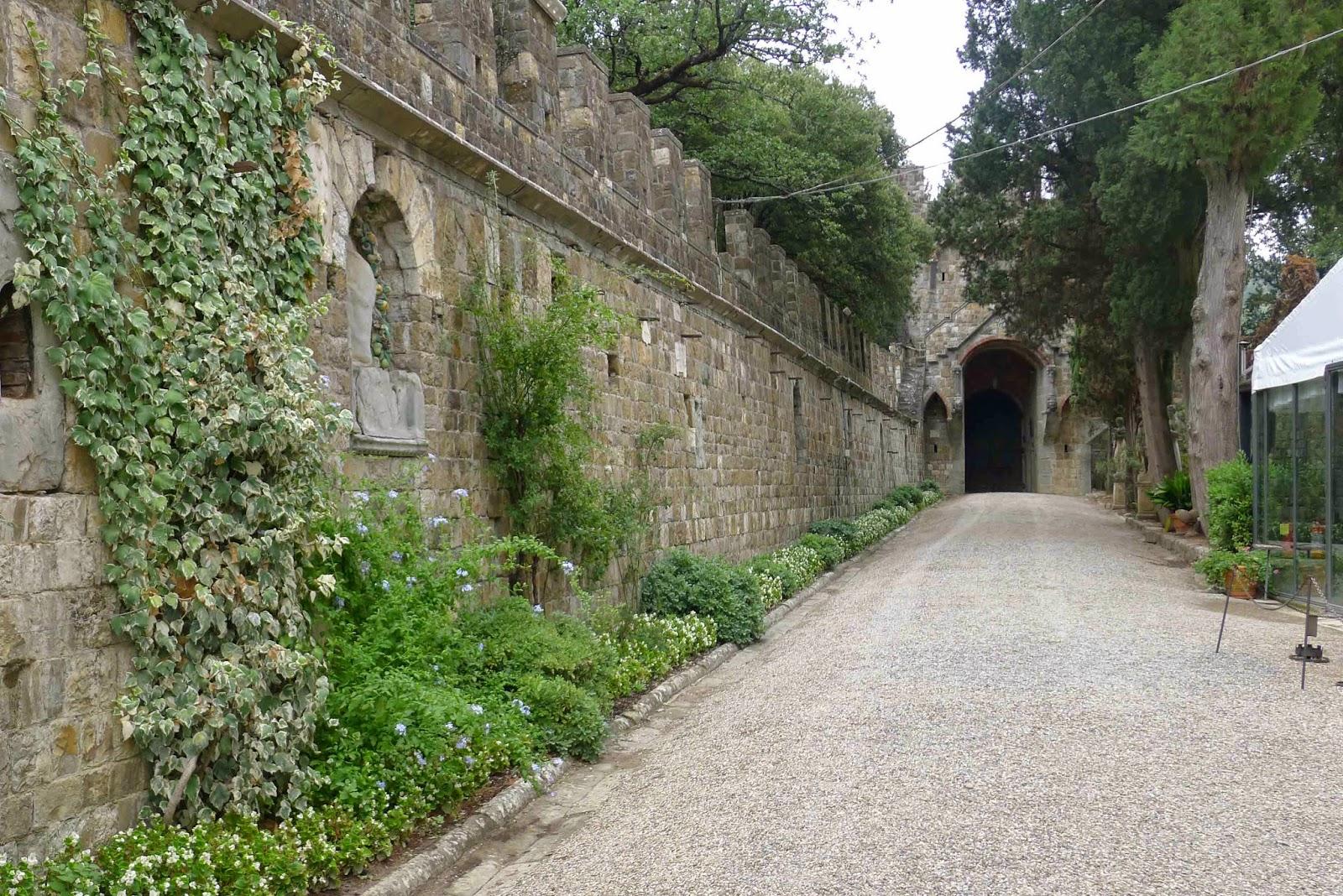 Castello di Vincigliata - Walls