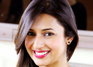 Divyanka Tripathi Face Wallpaper.jpg