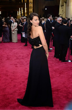 Margot Robbie by YSL. Premios Oscar 2014.