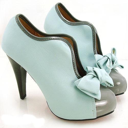 Cute mint 60's style ankle platform boots