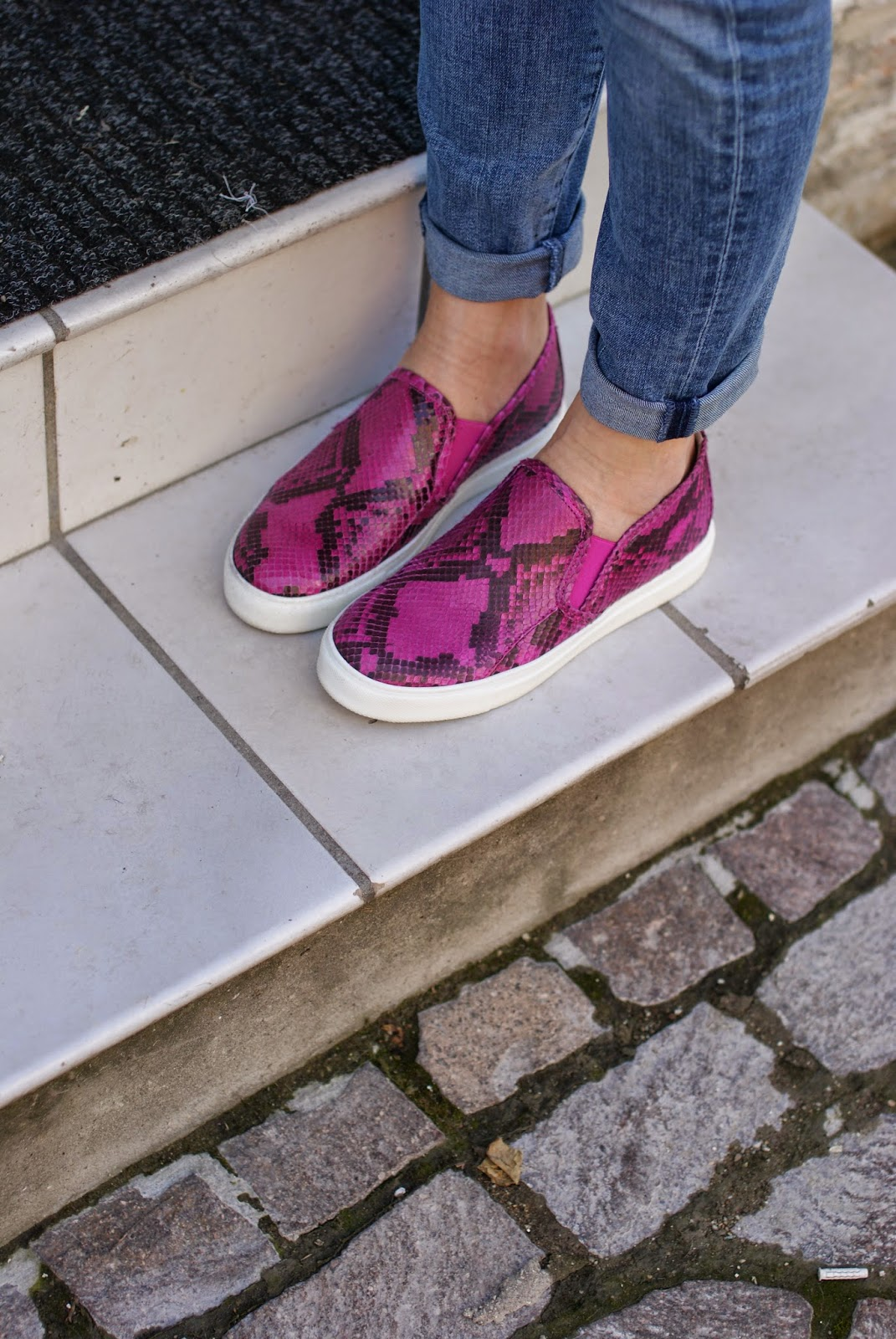 pink python shoes, Roberto Botticelli slip on, Fashion and Cookies, fashion blogger