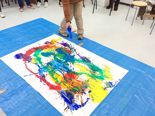 横浜美術学院の中学生教室 美術クラブ 絵の具課題「絵の具のシミから描写しよう!」3