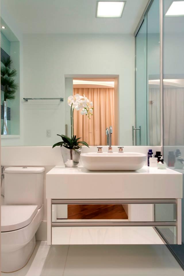 Construindo Minha Casa Clean 10 Banheiros Modernos com Armários Espelhados!  -> Banheiros Modernos Fotos
