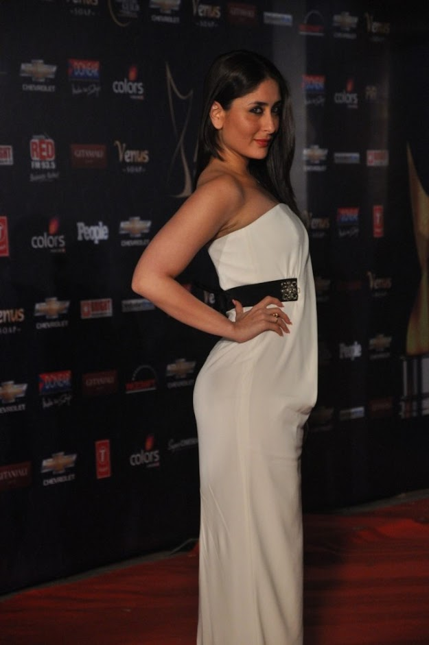 Kareena kapoor white dress hot photo - (5) - Top 10 seductive bollywood babes