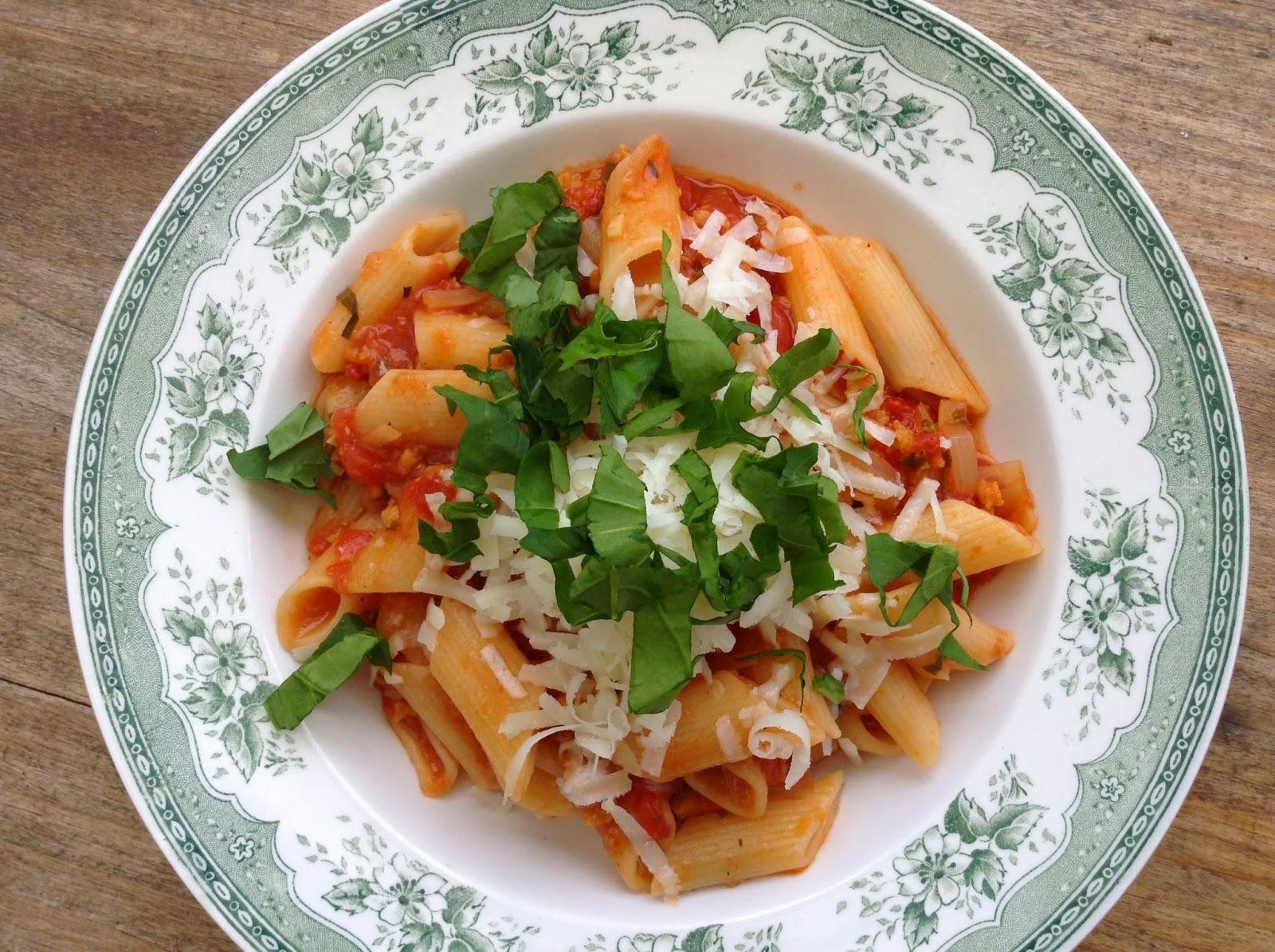 sauce tomates orange bolognaise roquette pâtes