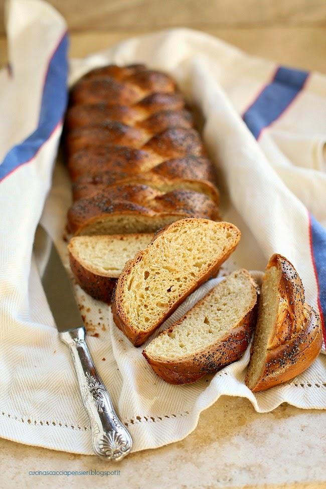 pane dolce dello shabbat con miele e vaniglia